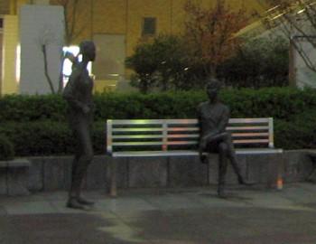 佐倉駅前の銅像