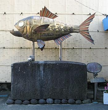 金目鯛の像