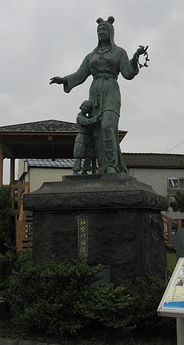 奴奈川姫像