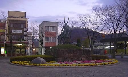 井伊直政公銅像