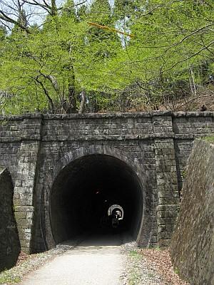 信越本線旧線のトンネル