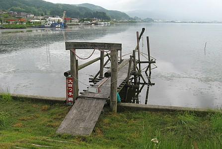 諏訪湖の大四つ手網
