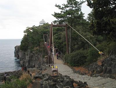 門脇吊橋と門脇埼灯台