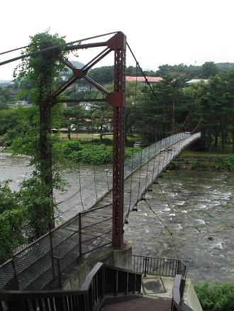 利根川に架かる吊り橋