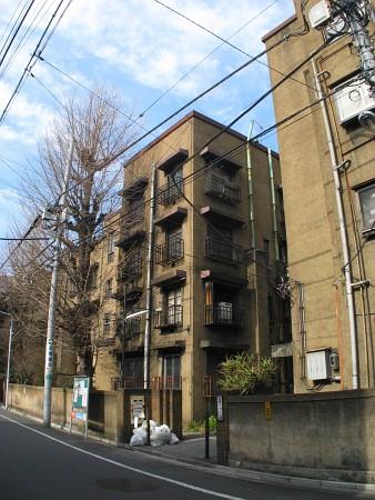 上野下アパートメント